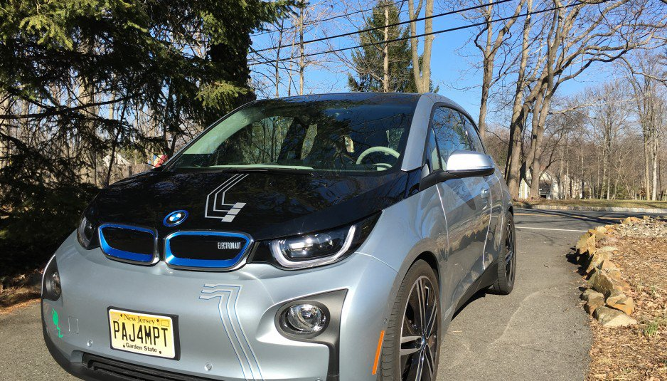 2014-BMW-i3-Suspension-lower-and-widened